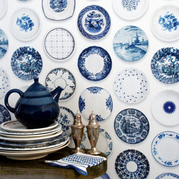 Porcelain wallpaper blue, still life