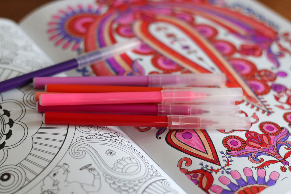 90 10 therapeutic benefits of coloring books for adults for Garden 50 designs to help you de stress colouring for mindfulness