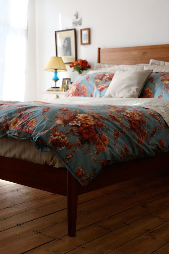 Over Bed Lighting >> 5 TIPS FOR AN AUTUMN BEDROOM MAKEOVER WITH CHRISTY - Lobster and Swan