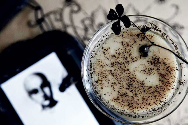 Halloween White Russian recipe