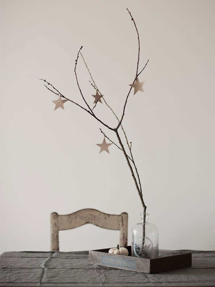 leather star decorations for your Christmas table