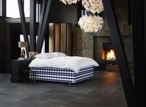 Hastens industrial style Bedroom