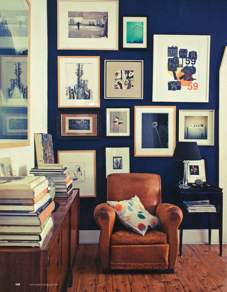 Dark blue interior inspiration lobster and swan for Blue wall art for living room