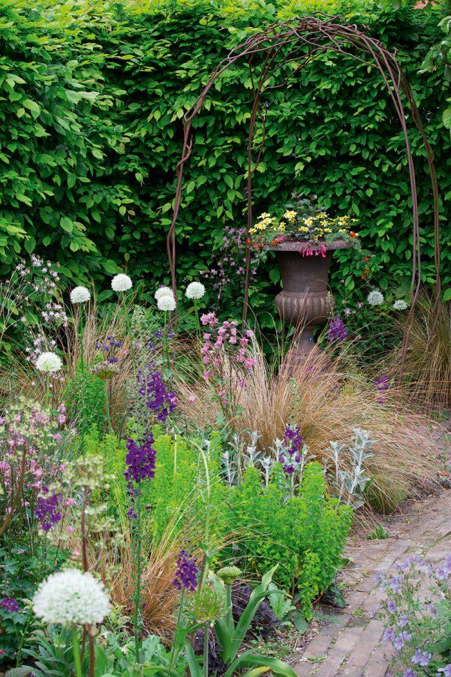 Natural garden planting
