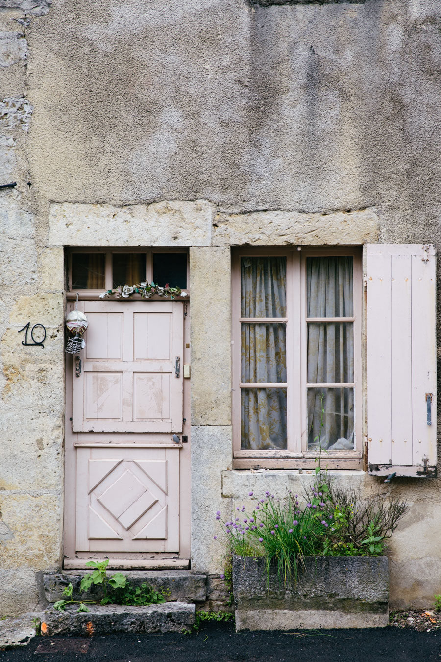 Beautiful towns Flavigny-sur-Ozerain - France