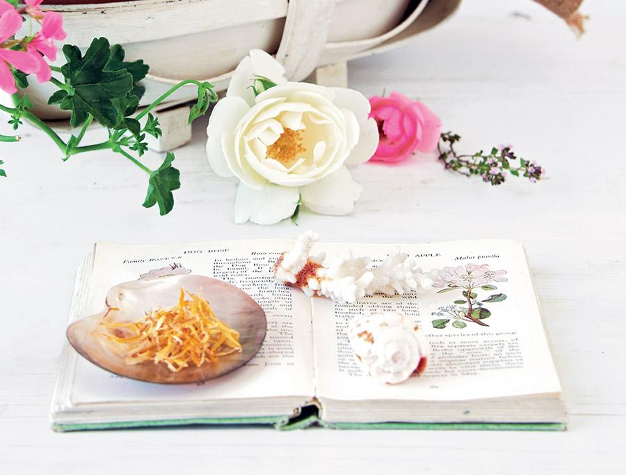 Handmade Beauty by Juliette Goggin and Abi Righton