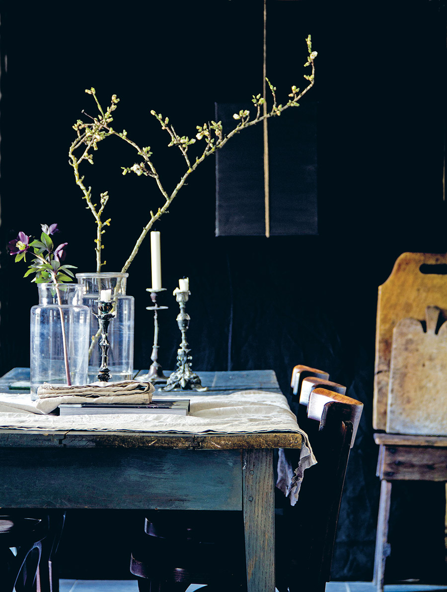 Moody dining table styling