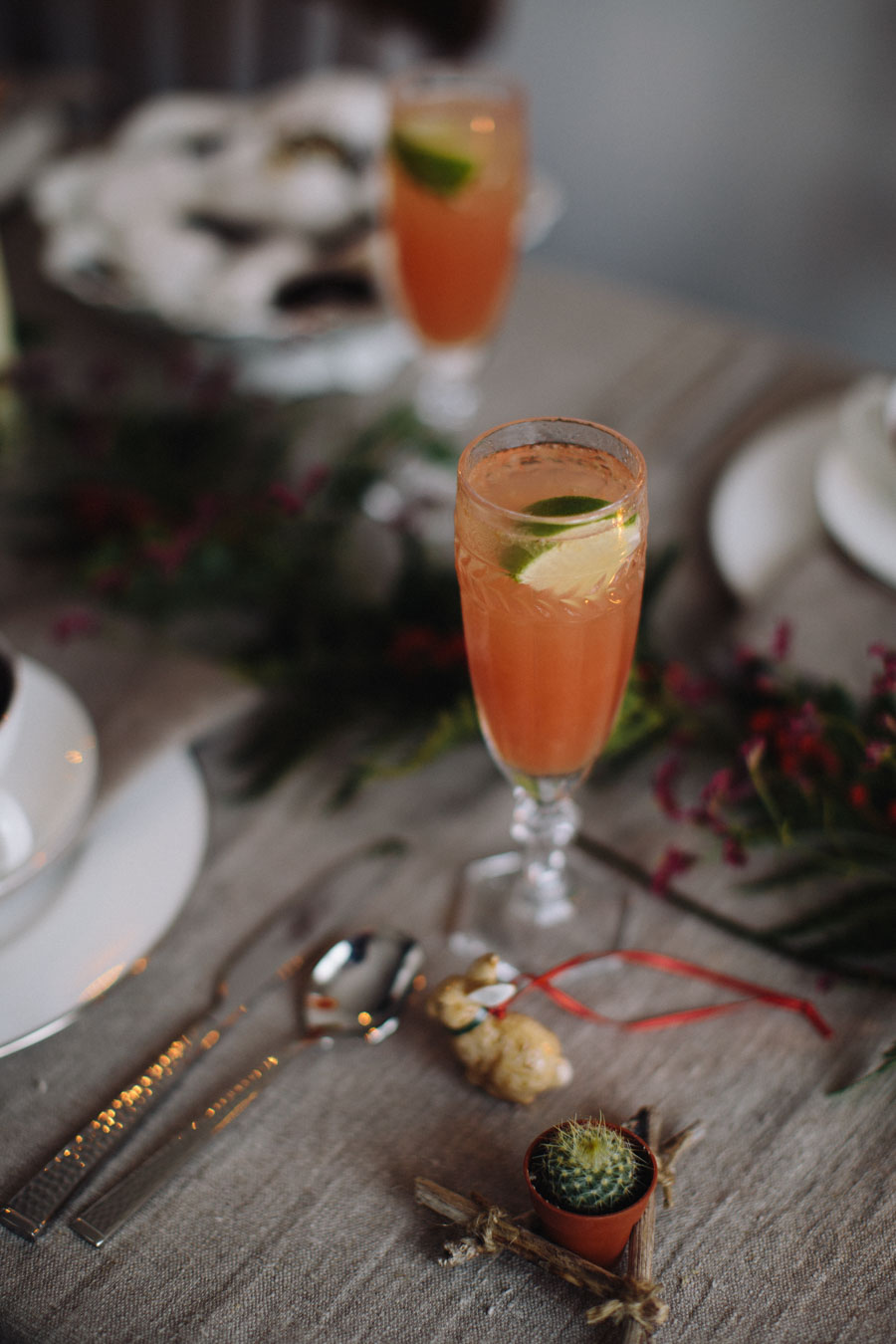 Vintage Christmas table styling