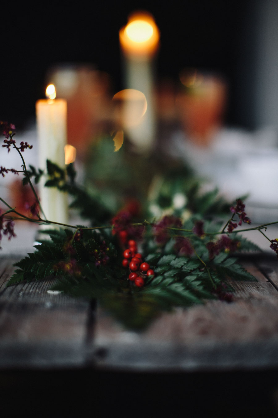 Christmas table foliage
