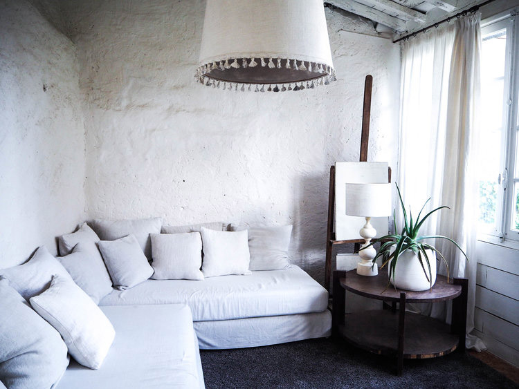 Rustic and elegant living style - Camellas Lloret in France