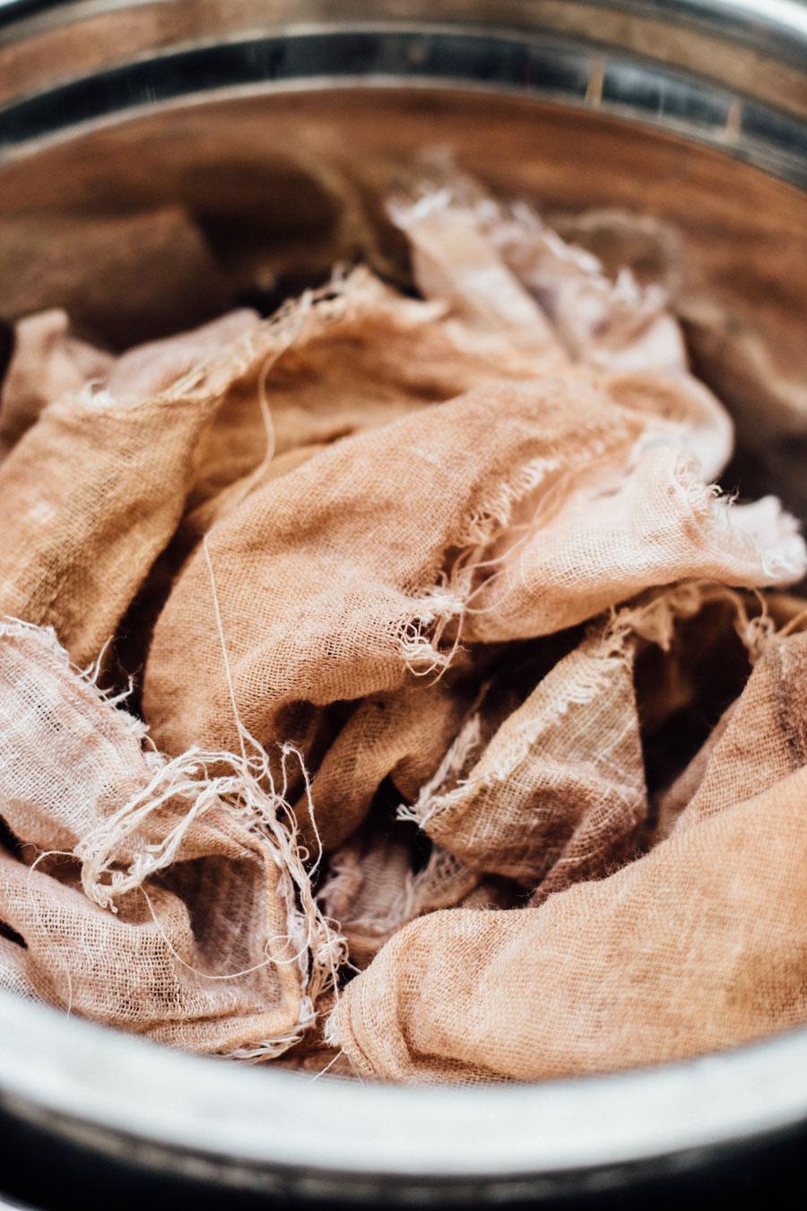 Dye cloths
