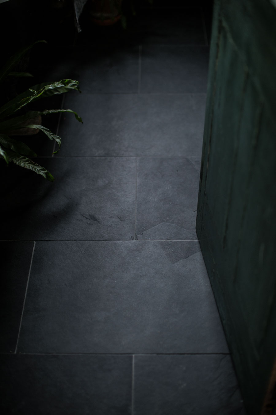Mandarin Stone Nero Riven Slate Flooring