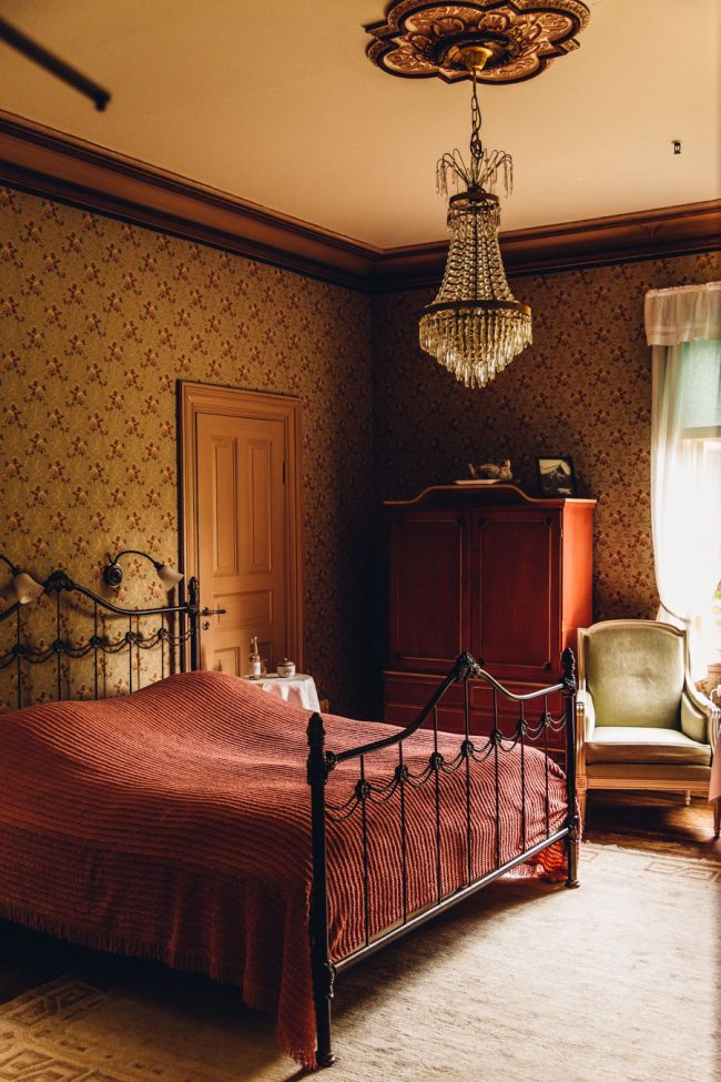 Beautiful vintage style Bedroom Villa Sjötorp