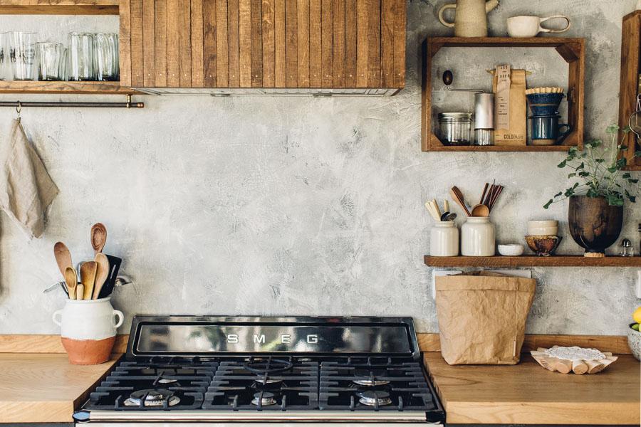Rustic cooker hood makeover
