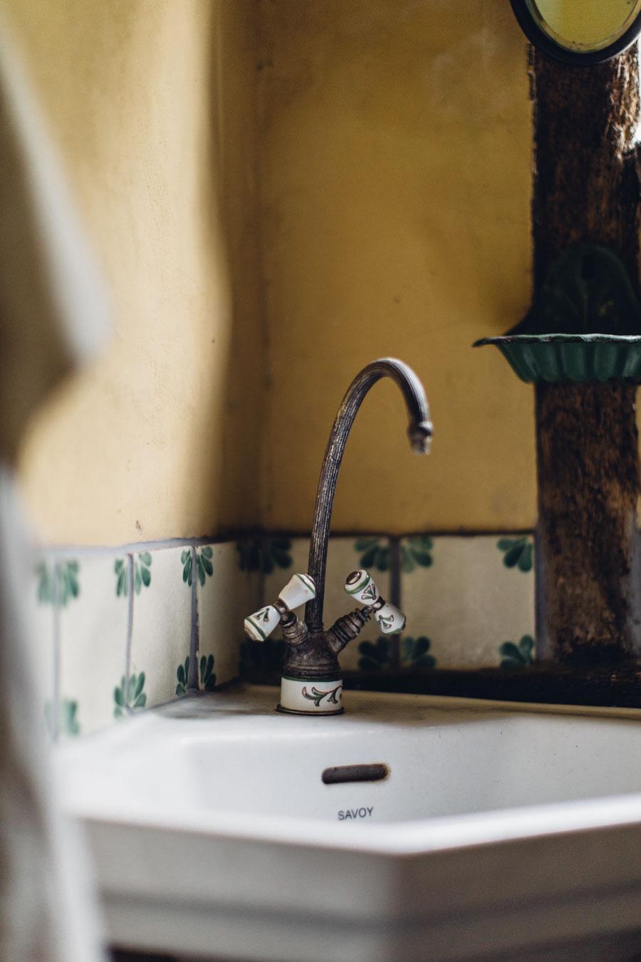 Vintage home details